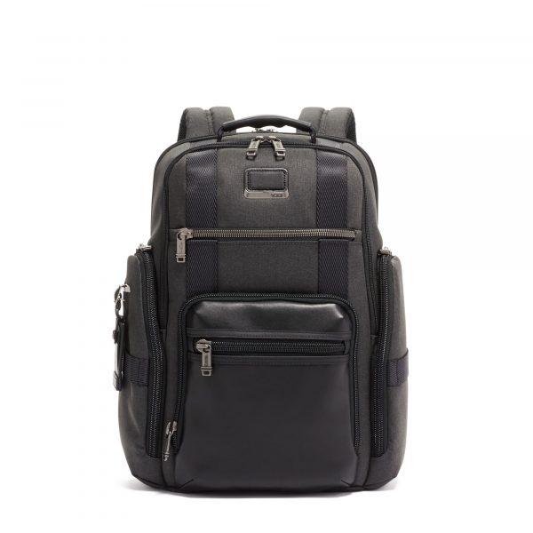 Tumi Sheppard Deluxe Briefpack in Graphite